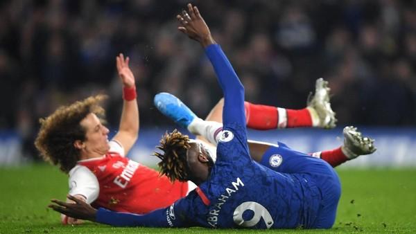 Arsenal Redam Chelsea dengan 10 Pemain