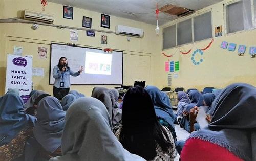 Karyawan XL Berikan Edukasi Bijak Bersosial Media di 100 SMA/SMK se-Jabodetabek