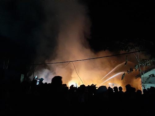 Tiga Rumah Dinas PU Inhil Hangus Terbakar