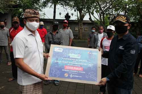 Salurkan 1.000 Paket Donasi untuk Nelayan Terdampak Covid-19